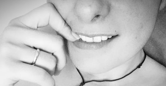 Sublime sourire de femme naturelle