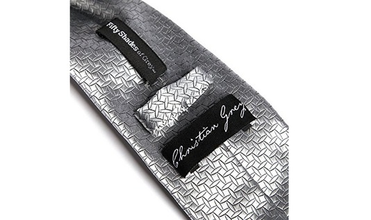 cravate christian grey